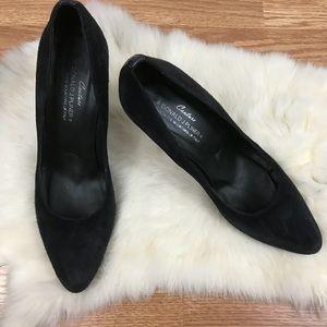 Donald J. Pliner Shoes - Donald J. Pliner   Classic Black Suede Pump Heels